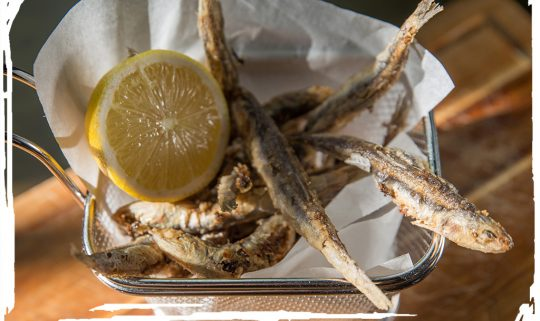 Fried Anchovies with lemon sauce